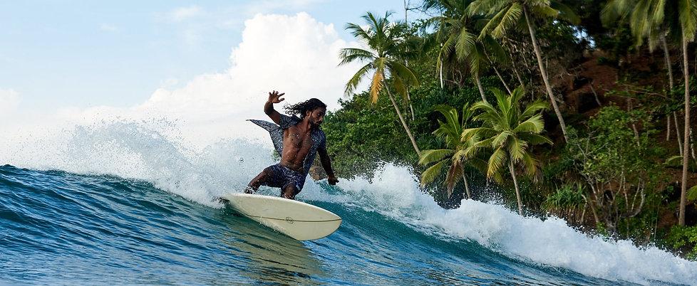 featured_2x_sri_lanka_surfing.jpg