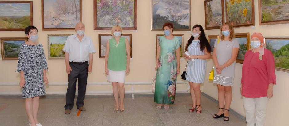 Сулинские мастера кисти Районного Дворца культуры поучаствовали в областных выставках.