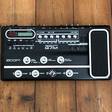 2005 Zoom G7.1ut Guitar Multi-Effects Console