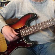 Fender Precision Bass Alder vs Ash Challenge