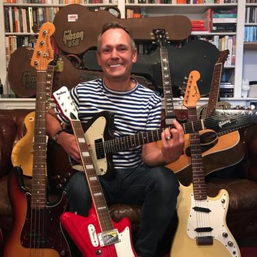 God's Own Guitars Guitar Throne