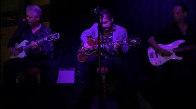 Rockin Johnny Burgin Gibson ES-355 Video