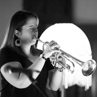 Heather Prowse performs at Johnston Street Jazz's Women in Jazz tribute, March 2020