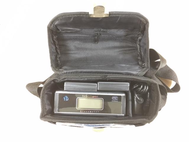 Gloss meter - Bag Packaging