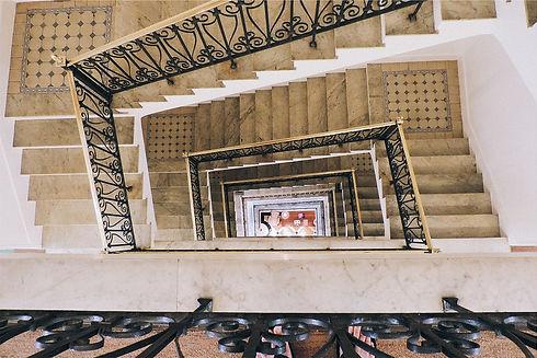 stairwell-699445_960_720.jpg