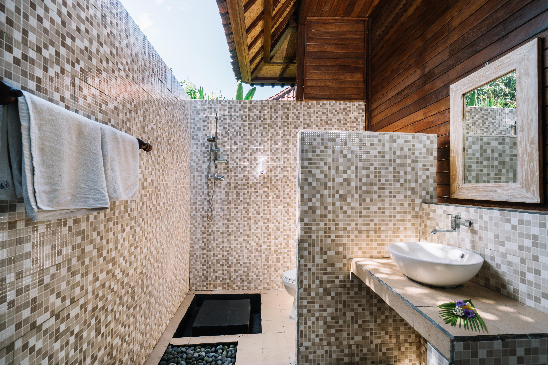 The Cozy Villa Bathroom (9)