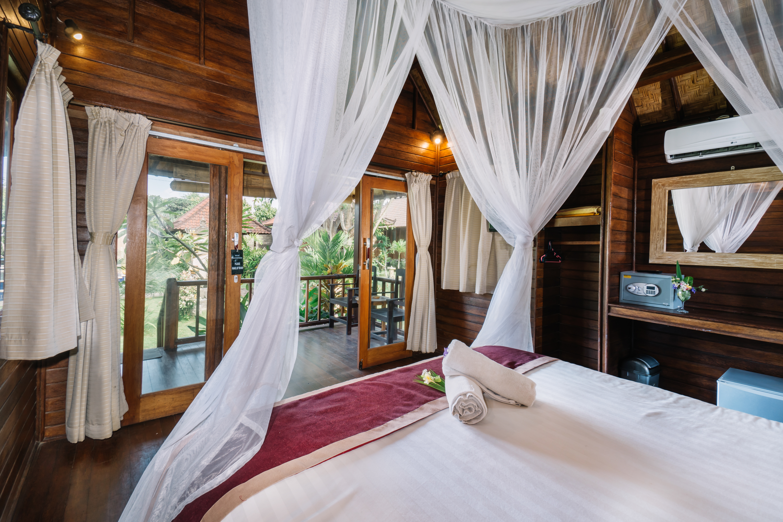 The Cozy Villa Bedroom (11)