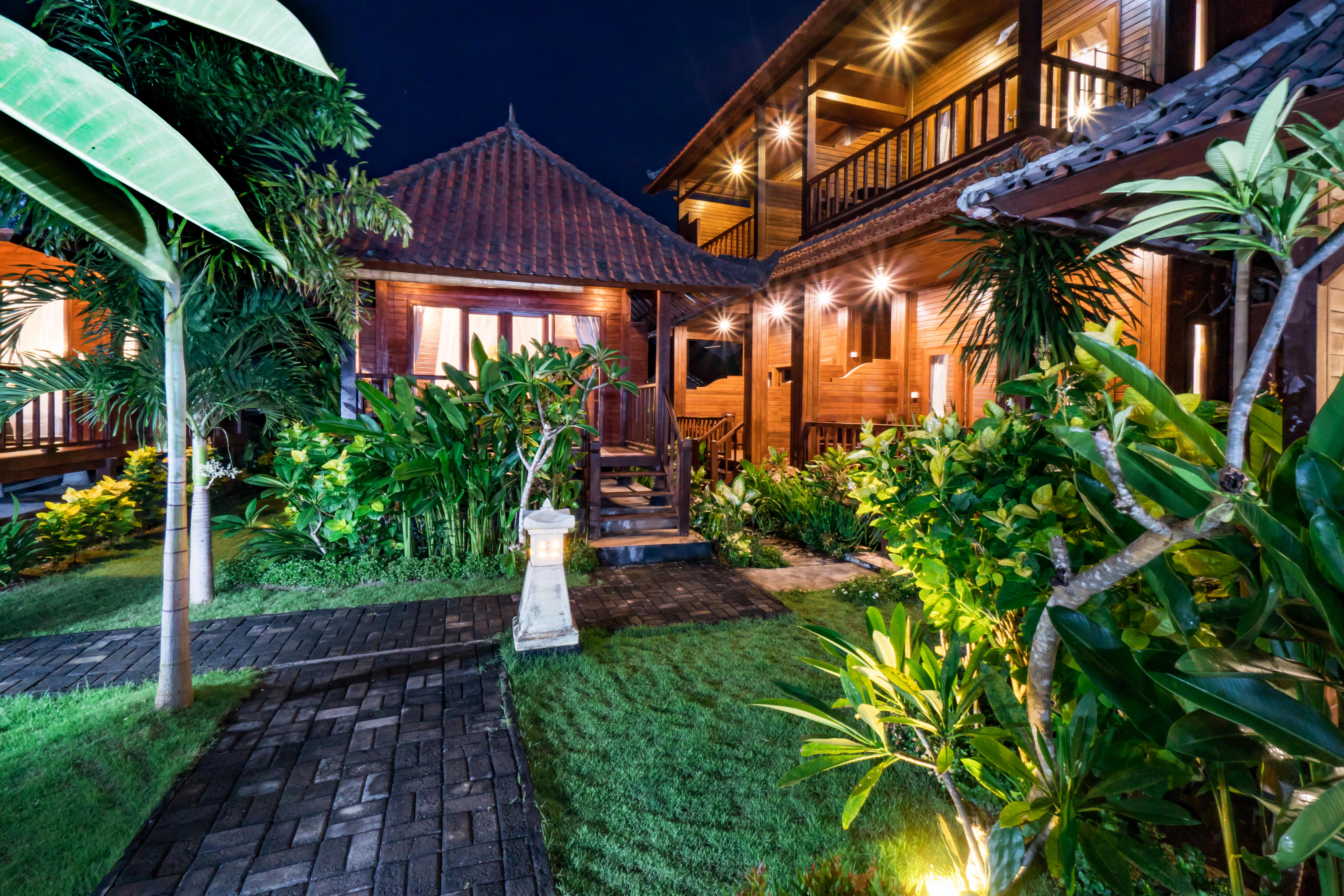 The Cozy Villa Night (4)