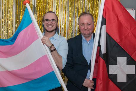 'De transvlag moet zichtbaarder worden in Amsterdam'