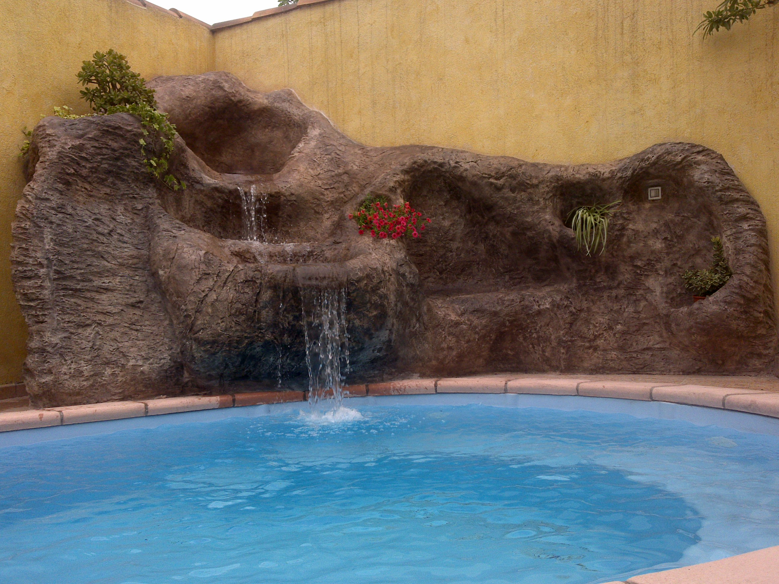 cascata in roccia artificiale3