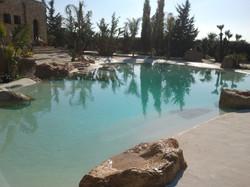 piscina con soiaggia1