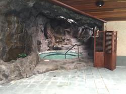 Spa in roccia artificiale