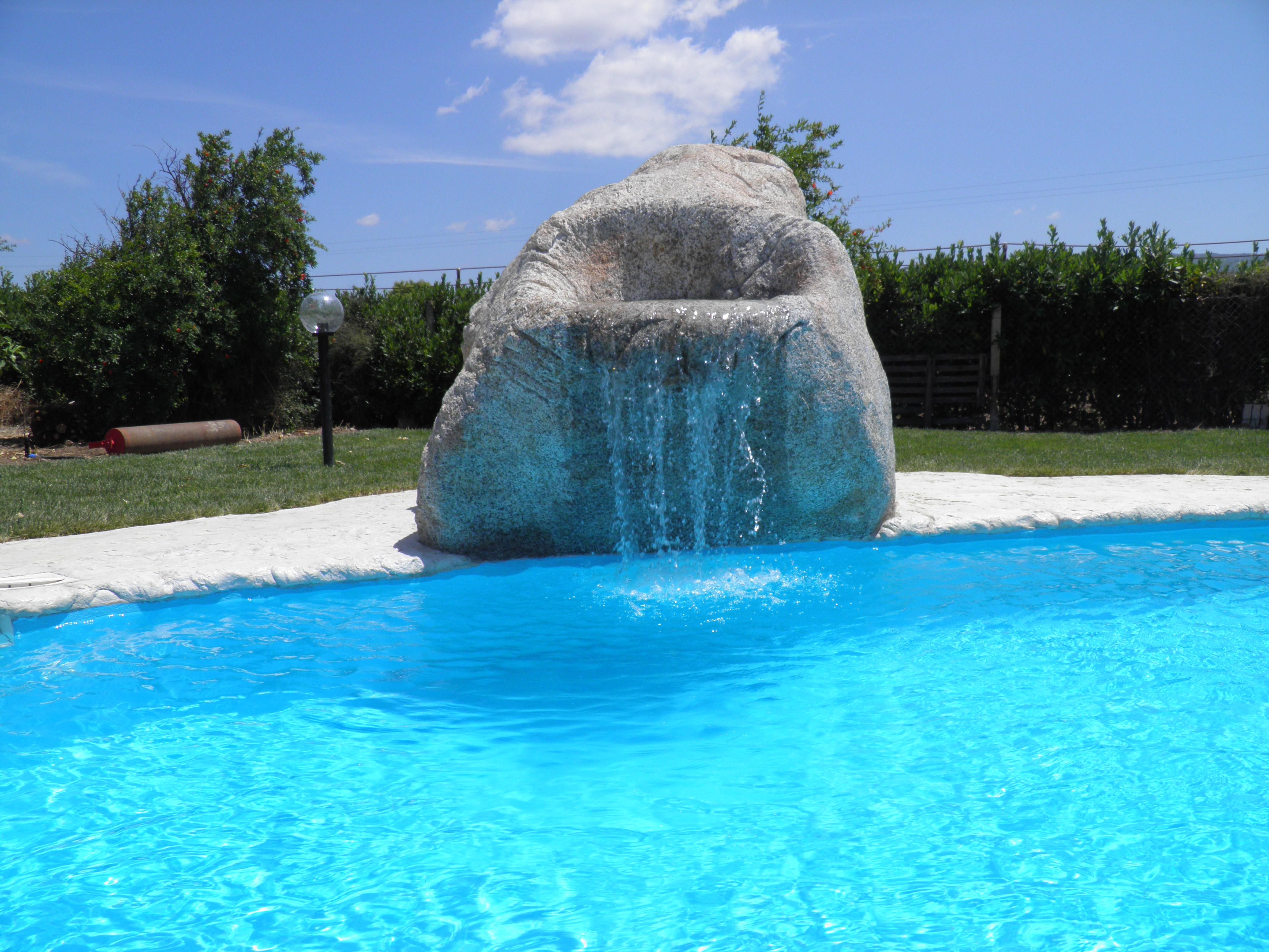 cascata in roccia artificiale