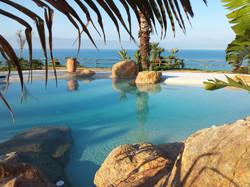 piscina con spiaggia14