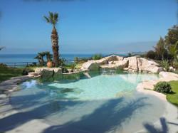 piscina con spiaggia esempio1