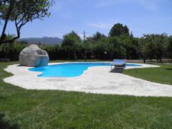 piscine con rocce artificiali9