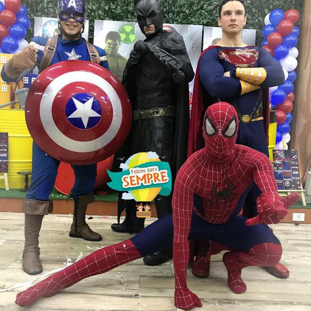 Capitão América, Batman, Super Homem, Homem Aranha