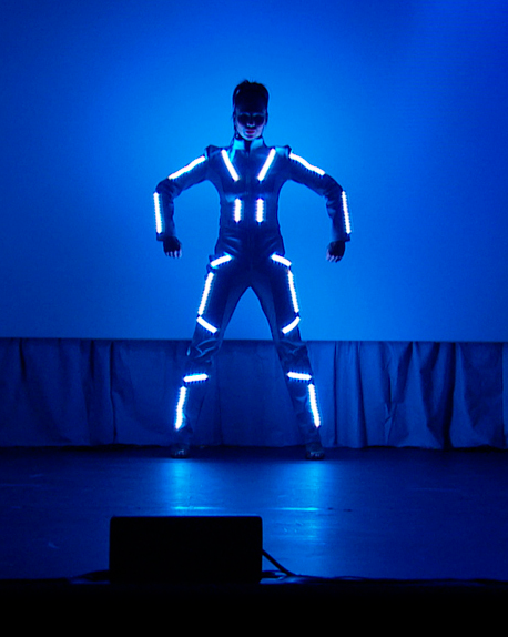 LED_costumes_003_Hintergrund_edited