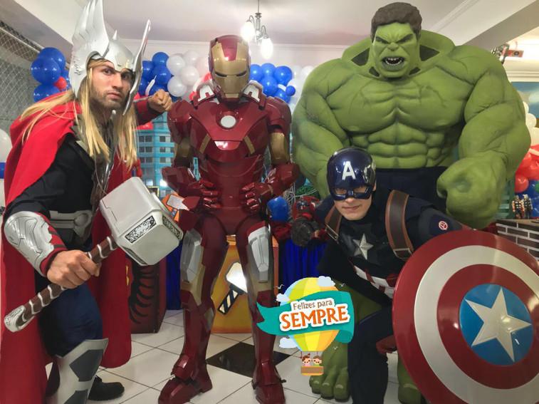 Thor, Homem de Ferro, Capitão América e Hulk
