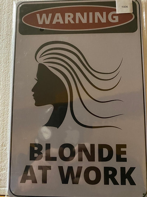 Blond at work T006
