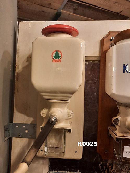 Oude koffiemolen Spar K0025