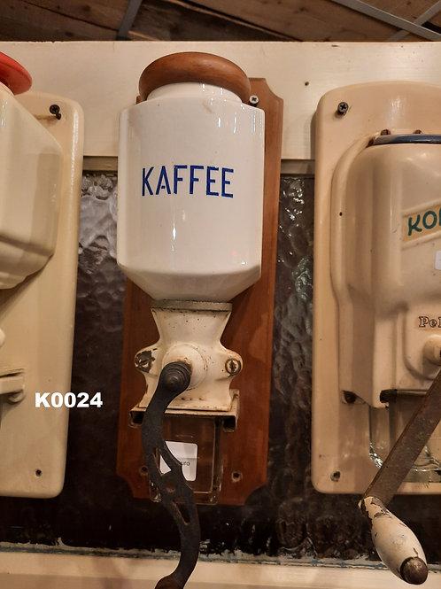 Oude koffiemolen Kaffee K0024