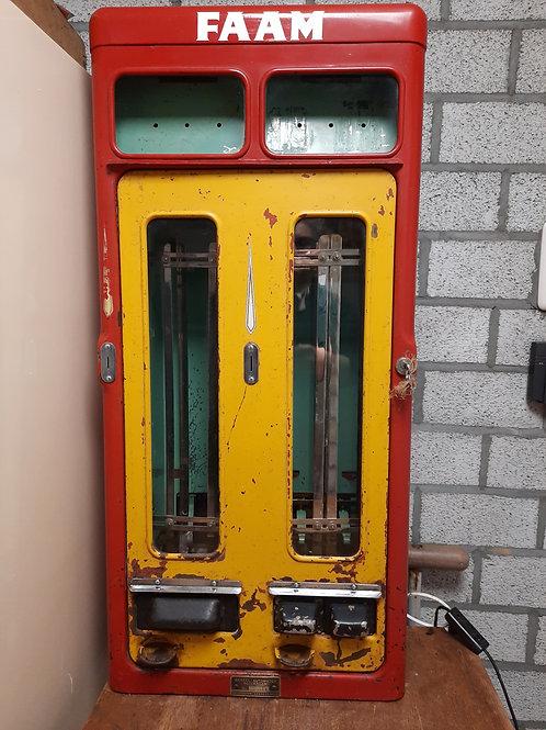 Oude snoepautomaat Berkel