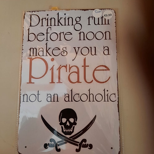 Drinking Rum Pirate T0151