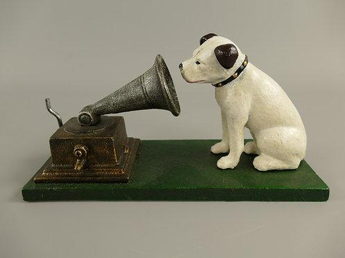 Gietijzeren hond. His masters voice  102.320