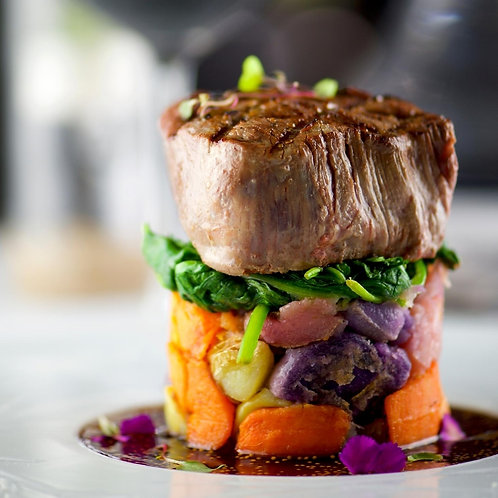 Fillet Mignon With Blue Cheese Sauce With 2 Sides - For 2 People