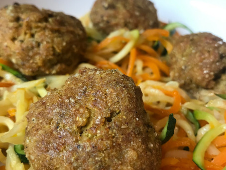 Lamb meatballs with turmeric and herbs
