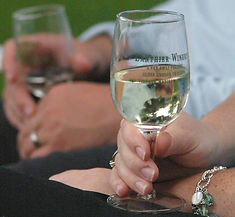 lanthierwinery-traminette-wine-glass.jpg