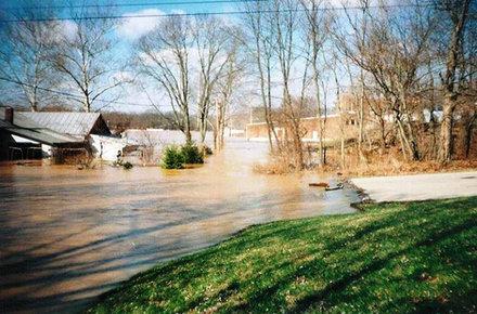 1997 - Flood at Lanthier Winery