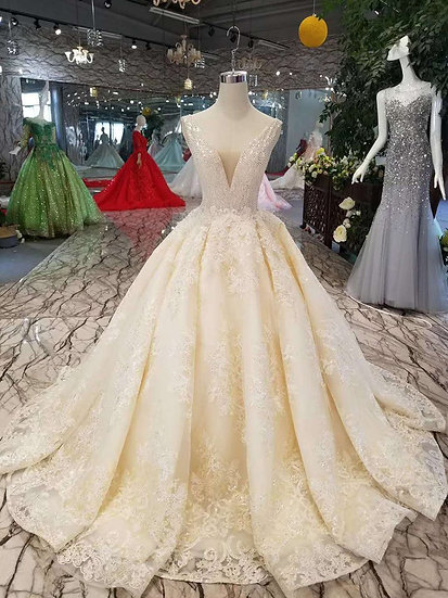 Sexy sleeveless wedding dresses