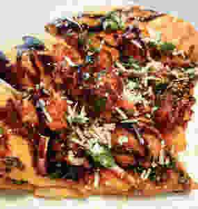 vegan pizza, vegan food, vegan blog, vegan recipe, vegan bride, buffalo cauliflower pizza