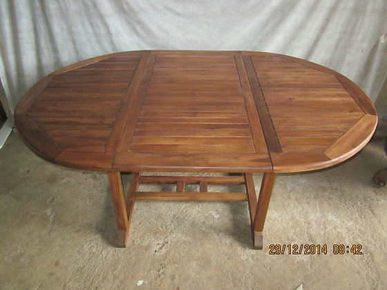Extendable Outdoor Table Round
