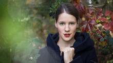 Autumnal portraits with Pauline Jordan
