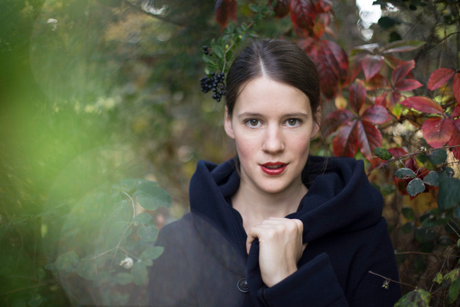 Autumnal portraits with Pauline Jordan