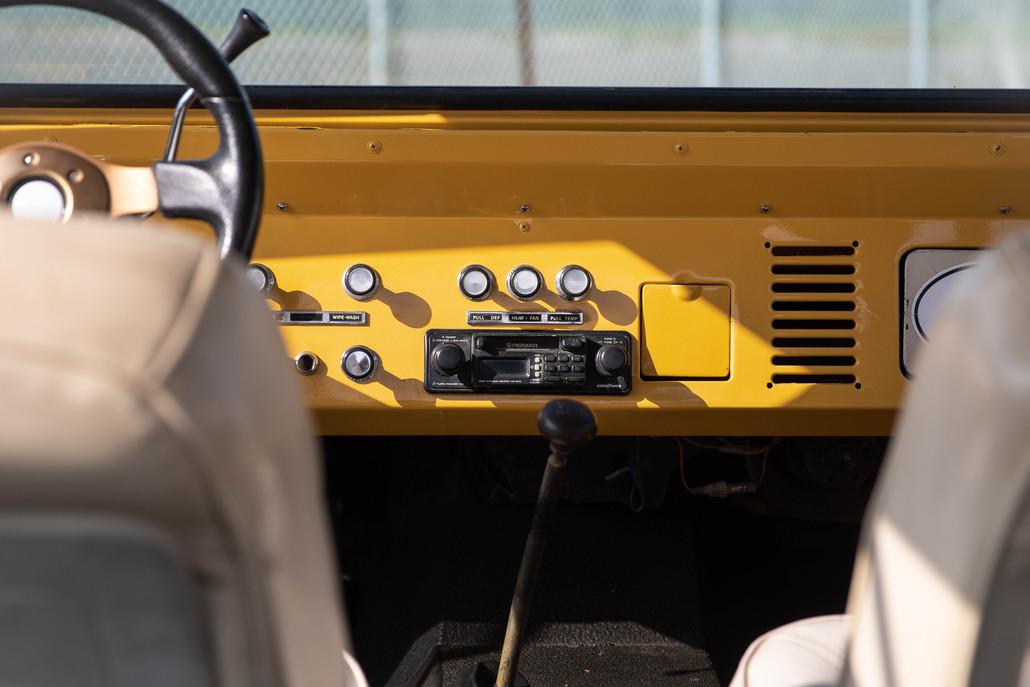 1977 Ford Bronco-8.jpg