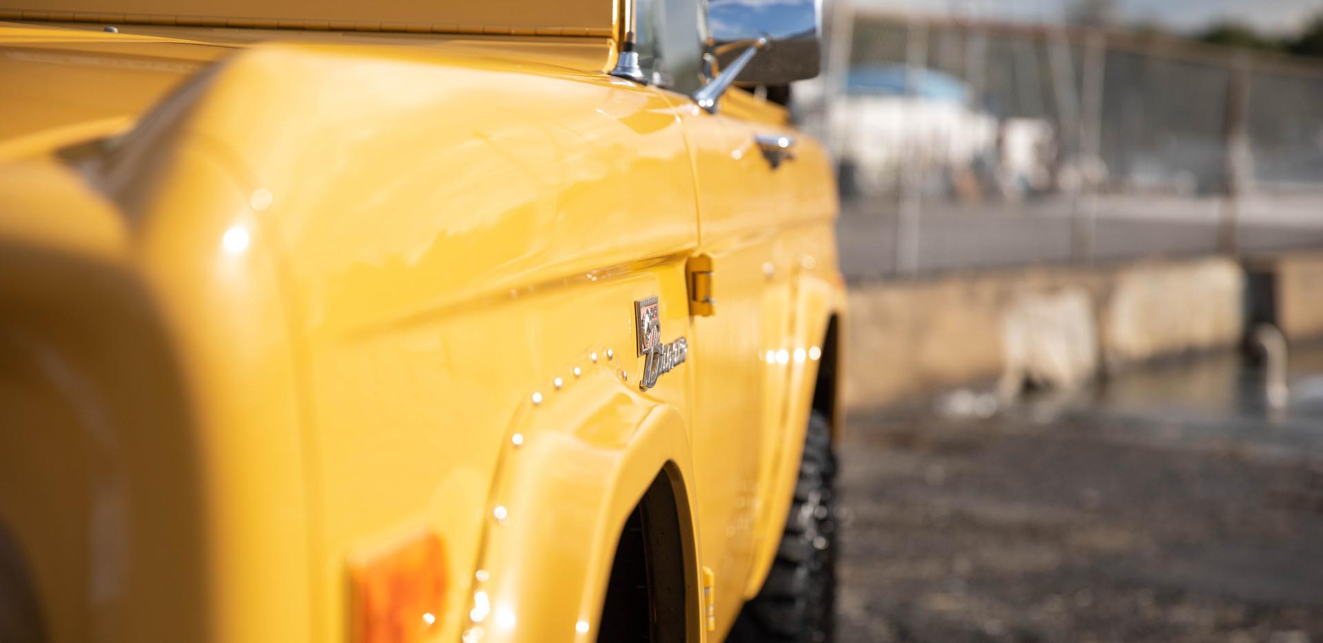 1977 Ford Bronco-2.jpg