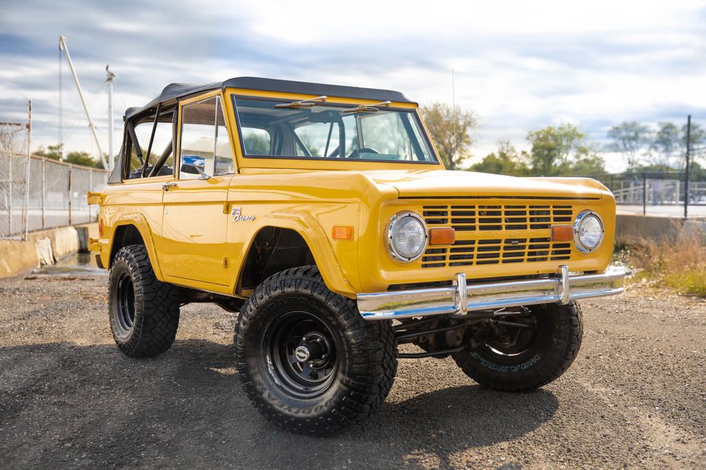 1977 Ford Bronco-1.jpg