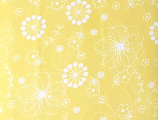Franela Good Vibration Maywood Studio, flores amarillas. 100% Algodon, 1,10Ancho