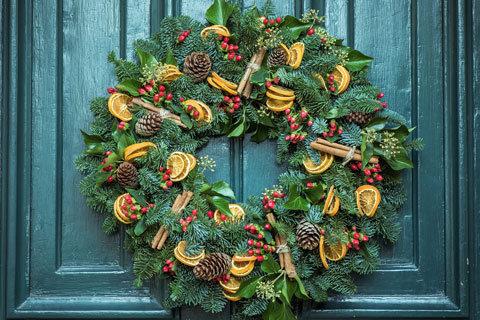 Cone and Cinamon Wreath