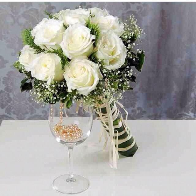 White Rose hand tie