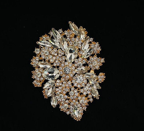 Gold cluster jewelled brooch