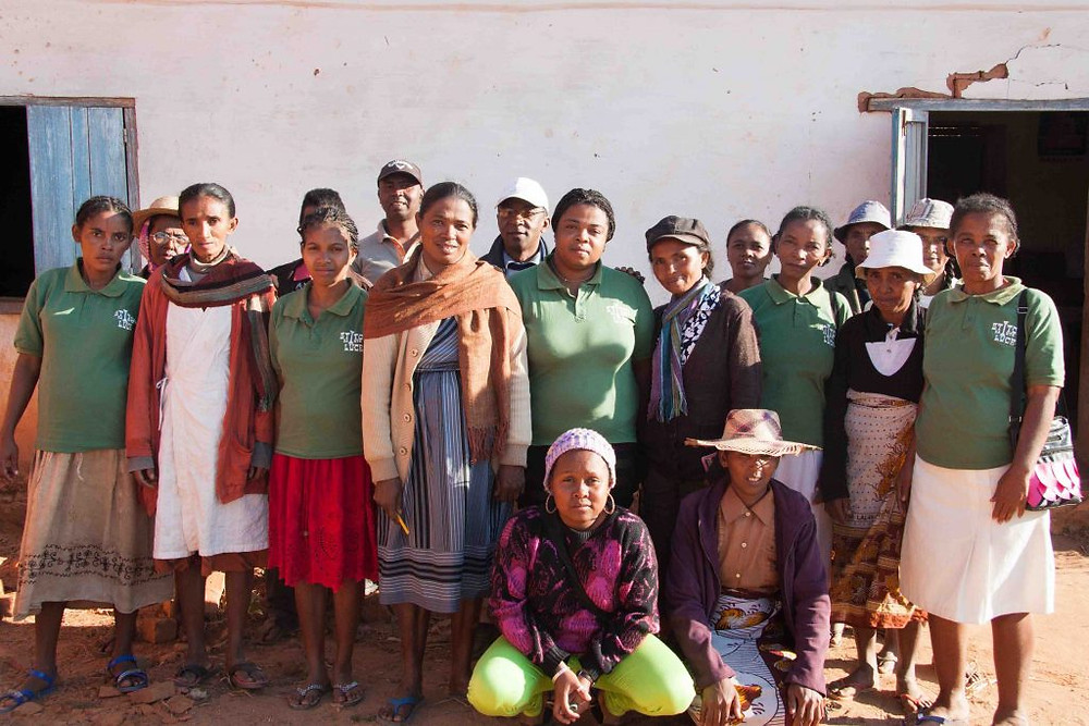 women's silk weaving cooperative madagascar