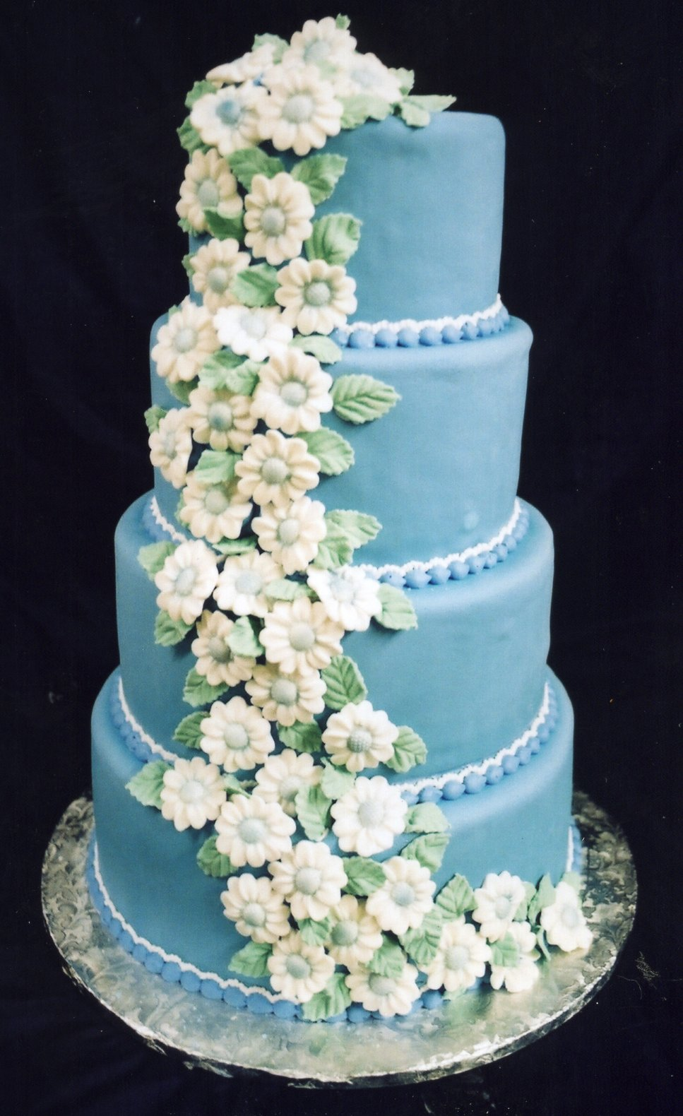 Blue Daisies wedding cake