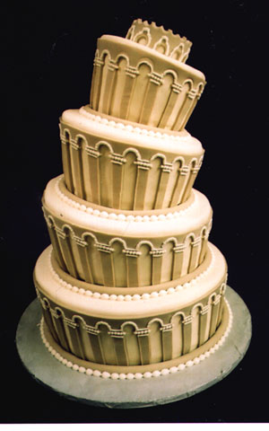 Leaning Tower of Pisa wedding cake