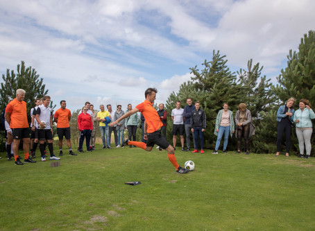 Barry Opdam en andere BN'ers openen FootGolf op Tespelduyn