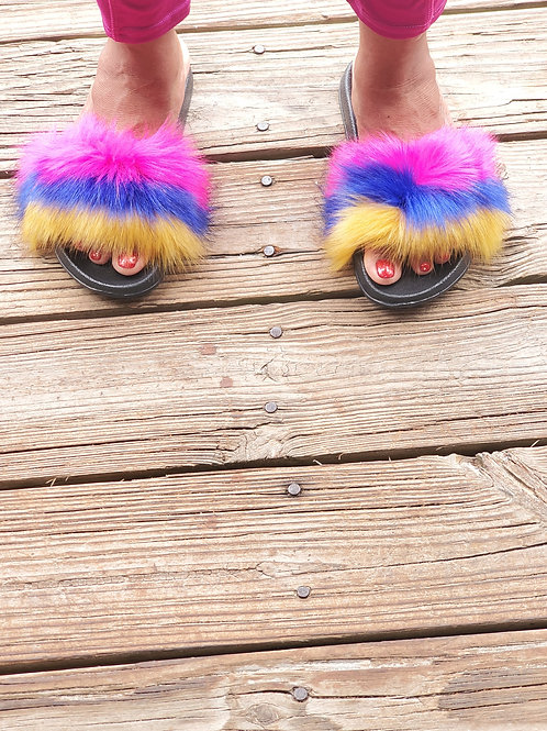 Comfortable fluffy fur slippers